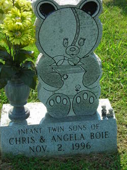 Infant twin sons of Chris & Angela Boie
