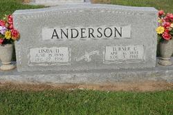 Linda <i>Honeycutt</i> Anderson