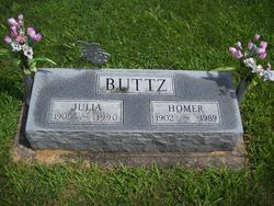 Julia <i>Kern</i> Buttz
