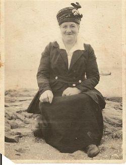 Margaret E <i>Allen</i> Connolly