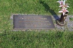 Patricia Ann Pat <i>Jolly</i> Geissler