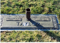 Ida Sue <i>Reece</i> Taylor