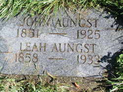 Leah <i>Bobb</i> Aungst
