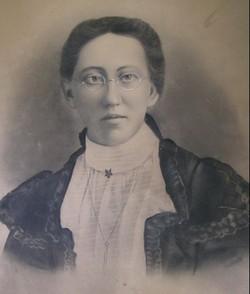 Hattie E. Yarian