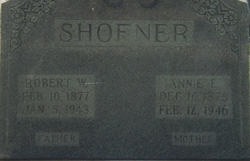 Robert W Shofner