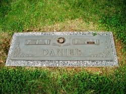 Virginia Currie Jennie <i>Watts</i> Daniel