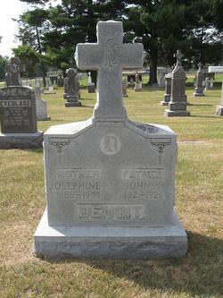 Josephine R. <i>Ruehle</i> Benoit
