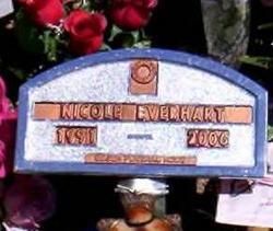 Nicole Everhart