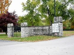 Lake Park Cemetery