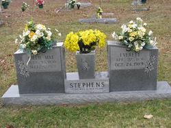 Everett Stephens