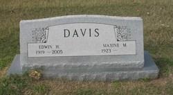 Doris Maxine <i>Murphrey</i> Davis