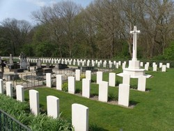 De Panne Communal and Military Cemetery