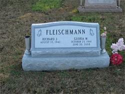 Gloria <i>Phelps</i> Fleischmann