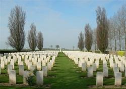 Warlincourt Halte British Cemetery, Saulty