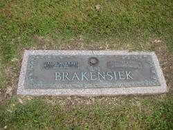 Ruth Ann Brakensiek