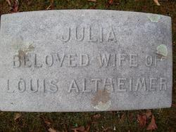 Julia <i>Sussholz</i> Altheimer