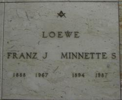 Minnette <i>Seches</i> Loewe