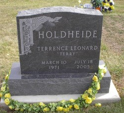 Terrence (Terry) L Holdheide