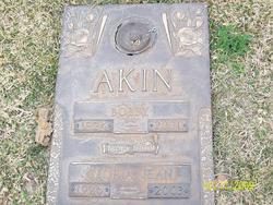 Bobby Akin