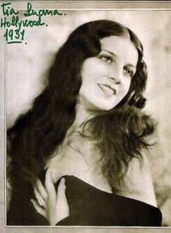 Luana Alca�iz