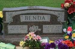 Gladys Mae <i>Straka</i> Benda