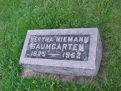 Bertha Henrietta Dorothea <i>Niemann</i> Baumgarten