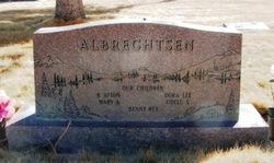 Alice <i>Holt</i> Albrechtsen