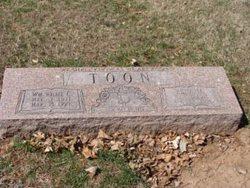 Edna M. <i>Wallace</i> Toon