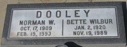 Bette <i>Wilbur</i> Dooley