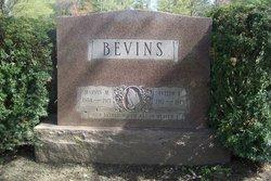 Evelyn L. <i>Roberts</i> Bevins