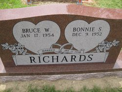 Bruce W Richards