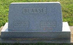 Mae B Blaase