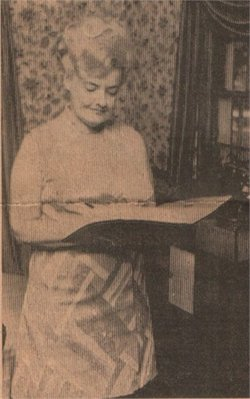 Deloyce Maxine <i>Barngrover</i> Moeschl