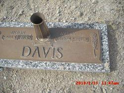 Avery E Davis