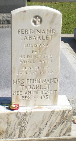 Anita <i>Benoit</i> Tabarlet