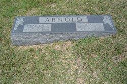 Rosa <i>Gault</i> Arnold
