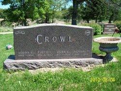 Norval Y Crowl
