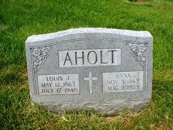 Louis J Aholt