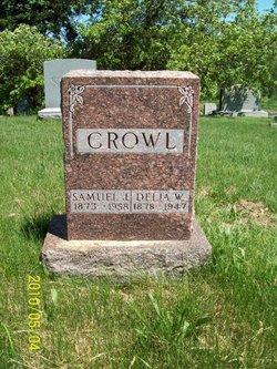 Delia W Crowl