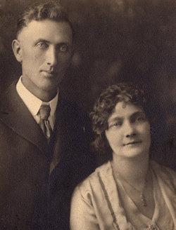 Edith Michaela <i>Sholund</i> Arnold