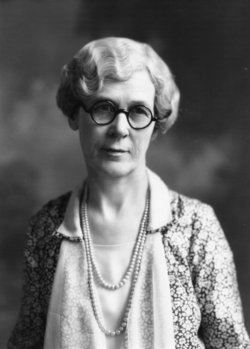 Dr Mary Mamie <i>McQuiston</i> Miller