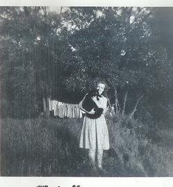Nina May Genevieve <i>Thoelecke</i> Azevedo