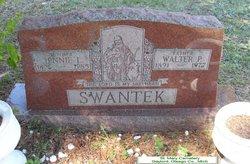 Jennie L <i>Dreffs</i> Swantek