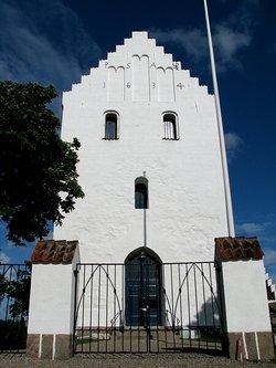Landet Churchyard