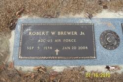Robert W Brewer, Sr