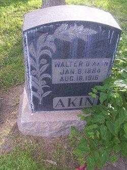 Walter Akin