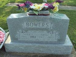 Vera Lea <i>Curtis</i> Bowers