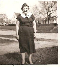 Ruth E McCoy