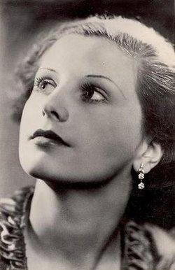 Belle Chrystall
