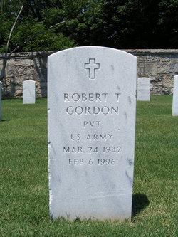 Robert T Gordon